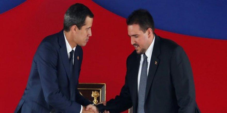 Venezuela'da Muhalif Meclis Yabancı Askeri Müdahelenin Önünü Açmak İçin Rio Paktı'nı Onayladı