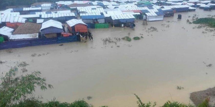 Bangladeş'teki Sellerde Ölü Sayısı 104'e Çıktı