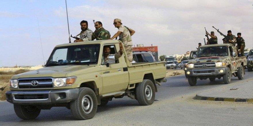Libya'da Hafter Güçleri Ambulans Vurdu