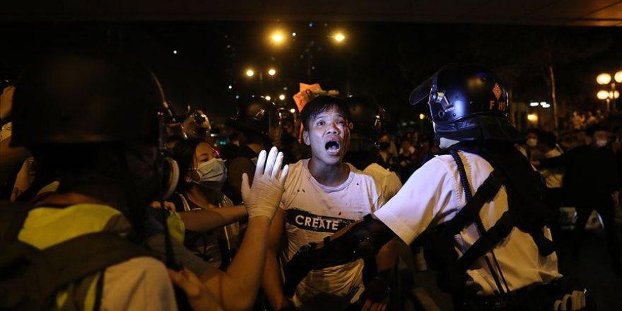 Hong Kong'da 41 Protestocuya Geceleri Sokağa Çıkma Yasağı