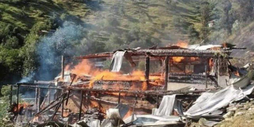 Hindistan, Keşmir'de Misket Bombası Kullandı