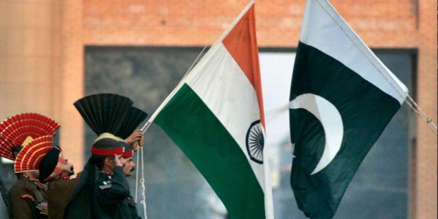 Pakistan'dan Hindistan'a Keşmir Cevabı