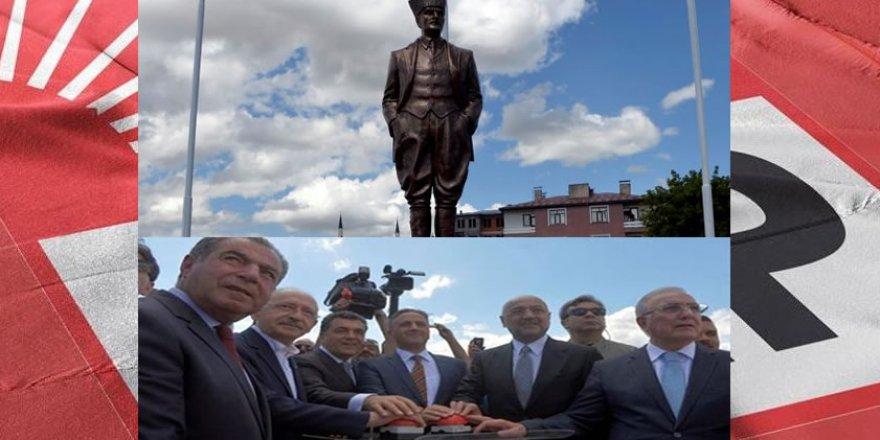 Cumhuriyet ve Demokrasinin Teminatı Anıt Heykeller