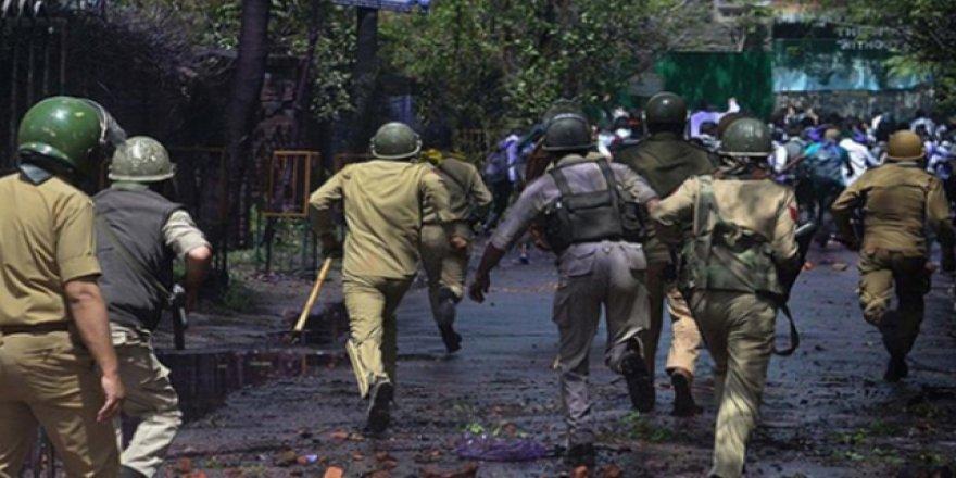 Pakistan'dan Hindistan'la Diplomatik İlişki Seviyesini Düşürme Kararı