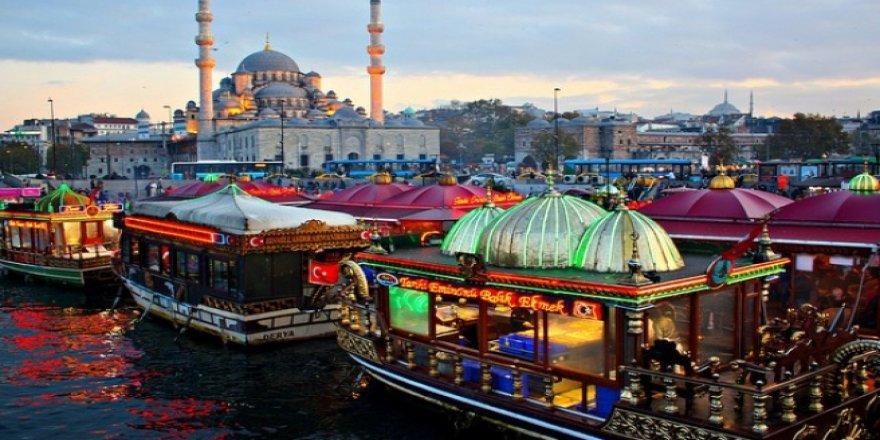 Eminönü'nde Uluorta Magandalık Örtbas mı Ediliyor?