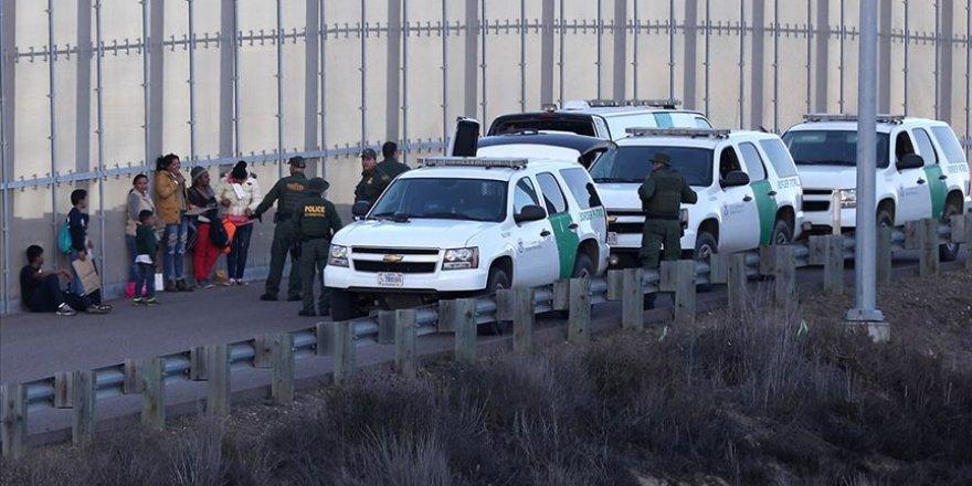 ABD'de Gözaltına Alınan Göçmenlerden 300'ü Serbest