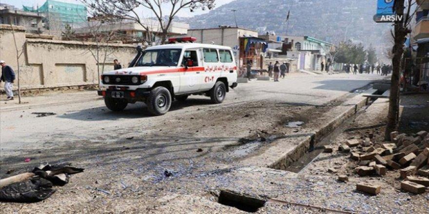 Afganistan'da Bombalı Saldırı: 5 Ölü, 3 Yaralı