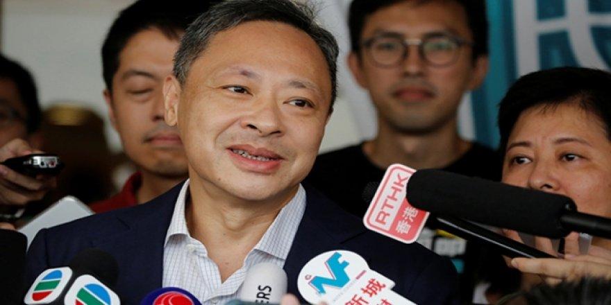 """Hong Kong'da """"Şemsiye Devrimi"""" Protestolarının Lideri Serbest Bırakıldı"""