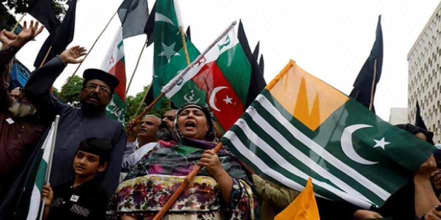 Azad Keşmir'de Hindistan Bağımsızlık Günü Protestosu