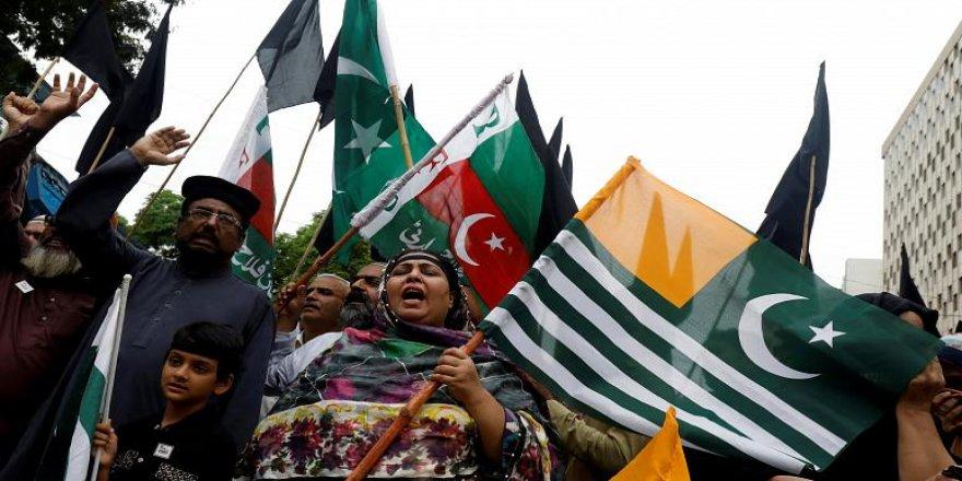 ABD ve Çin'den Keşmir Uyarısı: Hindistan Yasakları Kaldırıyor