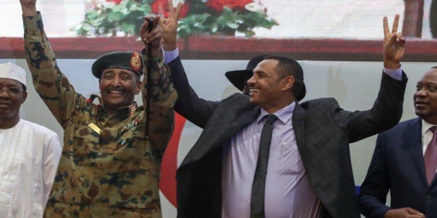 Sudan'da Anayasal Bildiri Anlaşması İmzalandı
