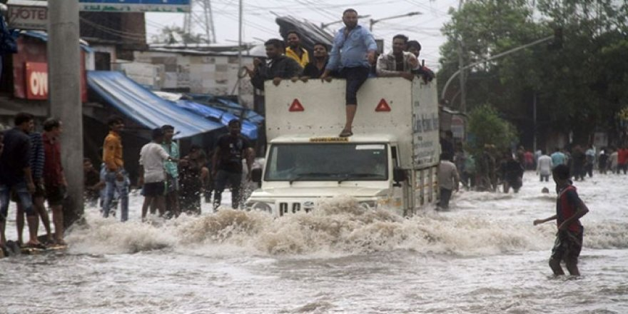 Hindistan'da Seller 350 Can Aldı