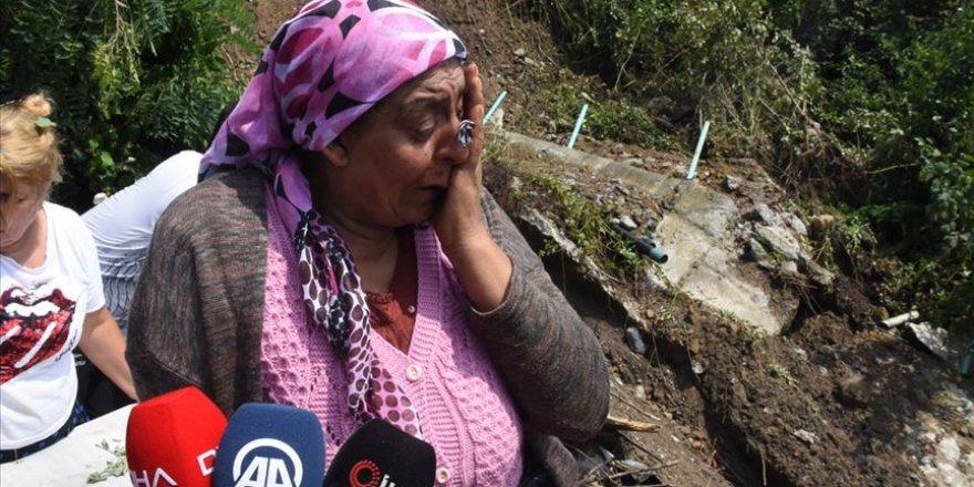 Zonguldak'taki Sağanağın Ardından Ev ve İş Yerlerini Su Bastı