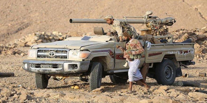 Yemen'de Hükümet Güçleri İle BAE Destekli Güçler Çatışıyor
