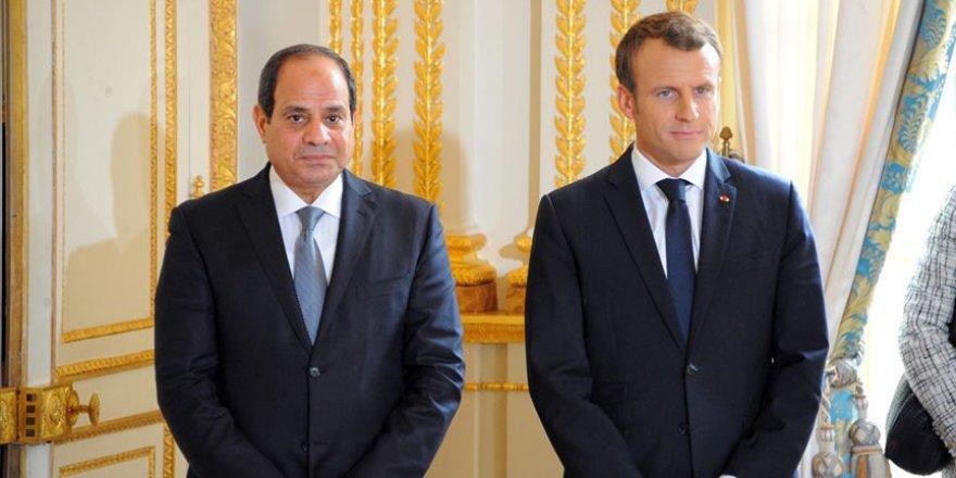 """Fransız STK'lardan Macron'a """"Sisi'yi Kına"""" Baskısı"""