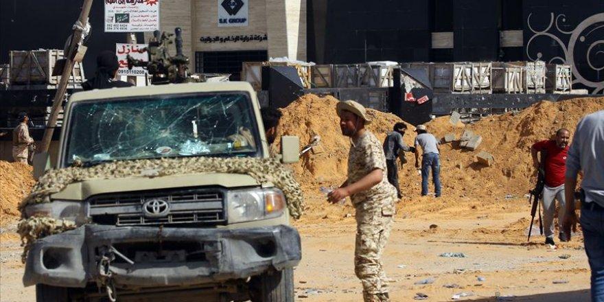 Libya'da Hafter Güçlerinden 17 Kişi UMH'ye Teslim Oldu