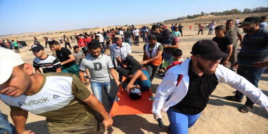 Siyonist İsrail Gazze Sınırında 49 Filistinliyi Yaraladı