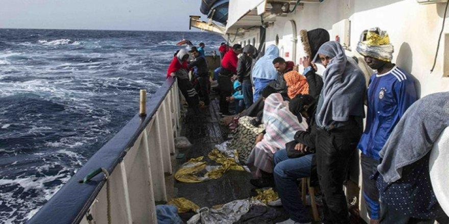 Salvini'den Göçmen Kurtaran STK Gemisine Giriş Yasağı