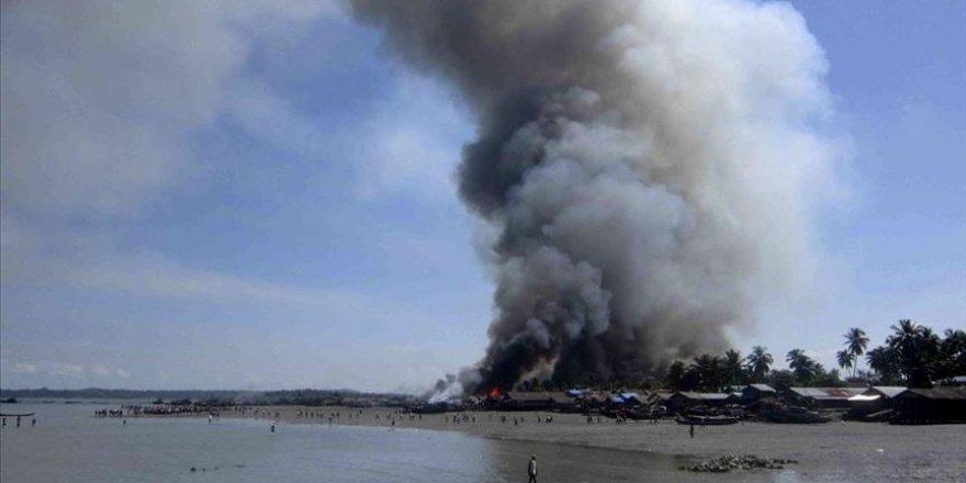 Myanmar'da Topçu Ateşinde 5 Sivil Öldü
