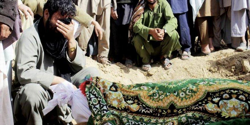 ABD-Kabil Hükümeti Afganistan'da Yine Sivilleri Bombaladı: 12 Ölü