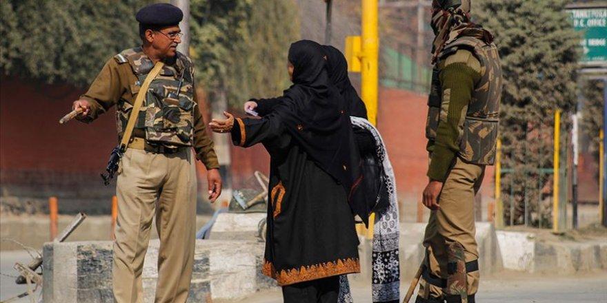 Hint Polisi Müslümanlara Karşı Ön Yargılı