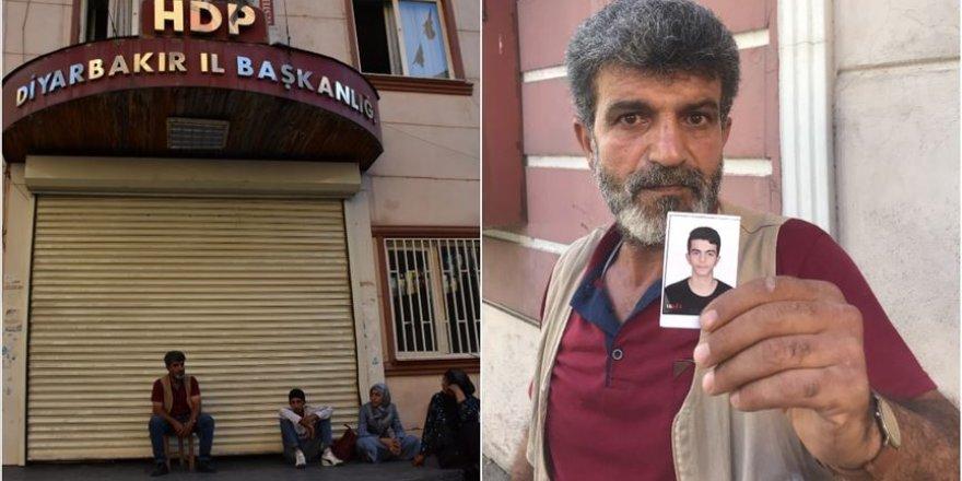 HDP Önündeki Eyleme Katılan Baba Begdaş: Ya Oğlum Ya Ölüm