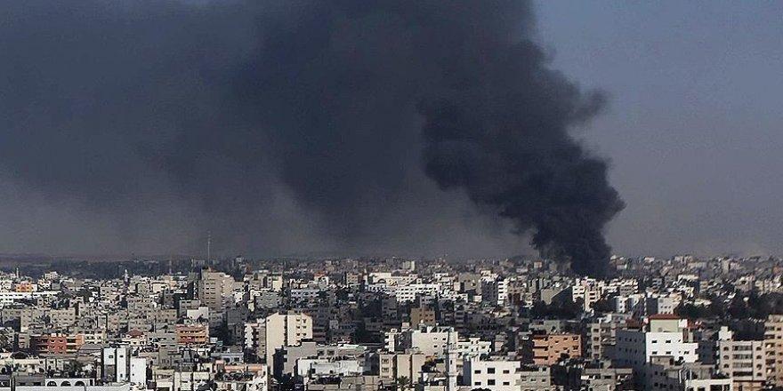 Siyonist İsrail Ordusu Gazze'de 2 Mevkiyi Bombaladı