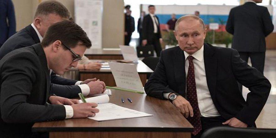 Rusya'da İktidar Partisi Moskova'da Güç Kaybetti