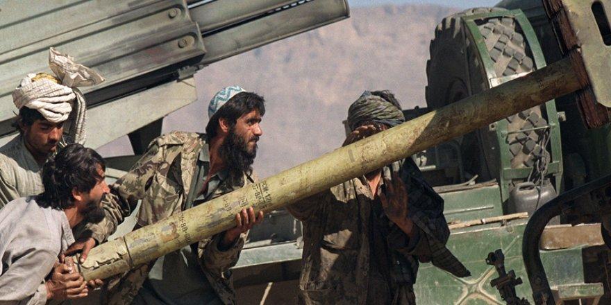 Taliban 11 Eylül'ün Yıldönümünde Afganistan'daki ABD Merkezlerini Vurdu