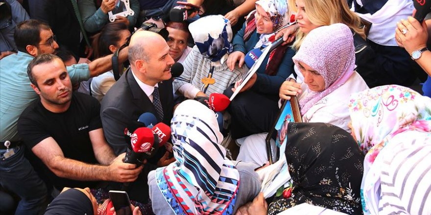 Süleyman Soylu Diyarbakır Annelerini Ziyaret Etti
