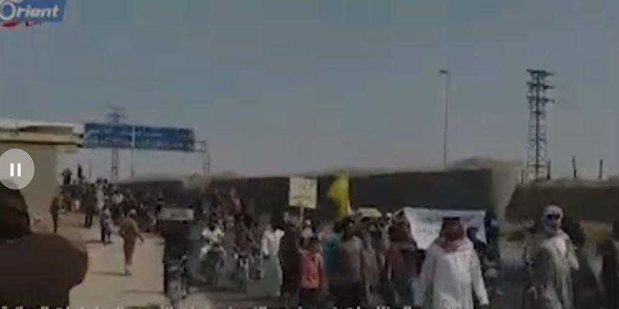 Deyrizor'da Siviller Esed ve İran Milislerinin Kontrol Noktalarını Bastı!