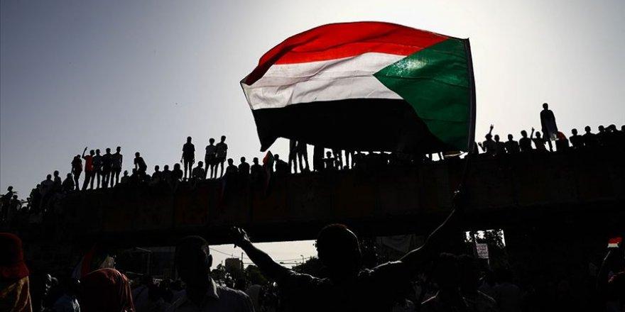 """""""İsraille normalleşme Sudan'ı daha kötüye götürür!"""""""