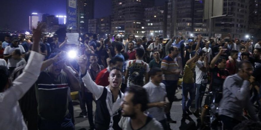 Mısır'da Darbeci Sisi Rejimini Protesto Eden Bazı Göstericiler Tutuklandı
