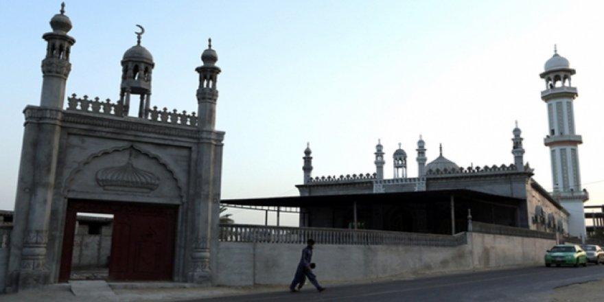 İranlı Milletvekilinden Tahran'da Sünniler İçin Cami İsteği