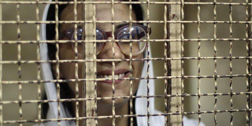 Sisi, Protestocuları Temsil Eden Avukatı da Tutukladı