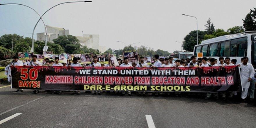 """Pakistanlı Çocuklardan Liderlere """"Keşmirli Çocukları Kurtarın"""" Çağrısı"""