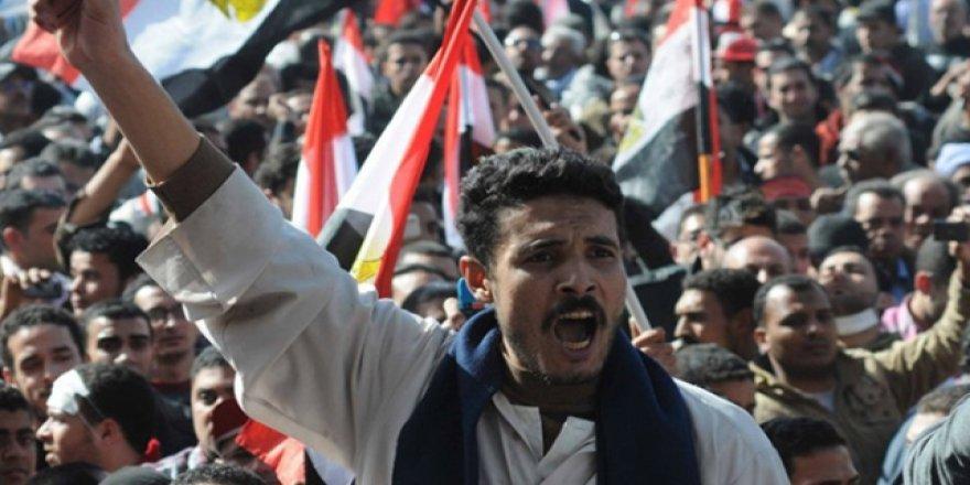 Mısır'da Sisi Karşıtları Yeniden Sokaklarda