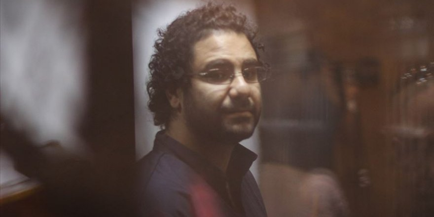 Mısırlı Muhalif Aktivist ve Avukatı Tutuklandı