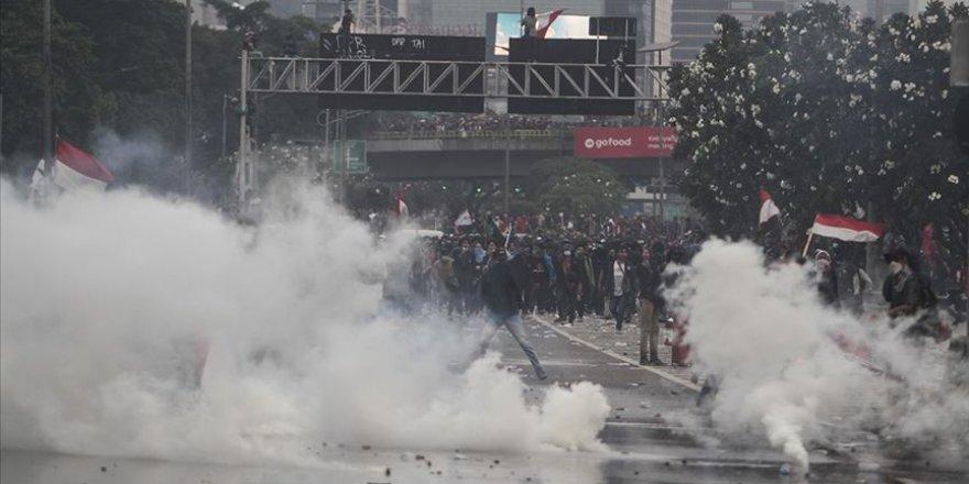 Endonezya'da Hükümet Karşıtı Gösteriler