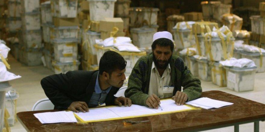Afganistan'da Her Aday Kendisinin Kazandığını İddia Ediyor