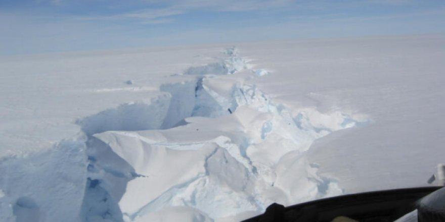 Antartika'daki Buzdağından Malta'nın 5 Katı Büyüklüğündeki Parça Koptu