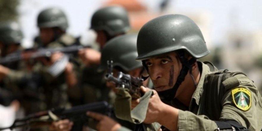 Mahmud Abbas Yönetimi İki Eski Esiri Gözaltına Aldı