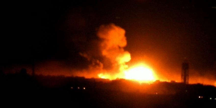Rusya'nın Hama'daki Askeri Mühimmat Deposu Patlatıldı