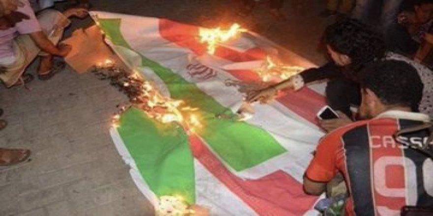 Iraklıların Protesto Ettiği İran'ın Lideri Hamaney Aramızı Bozamayacaklar Diyor!