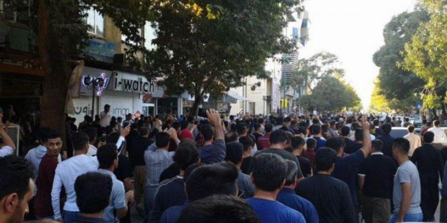 Katil İran'ın Birçok Kentinde Barış Pınarı Harekatı Protesto Edildi