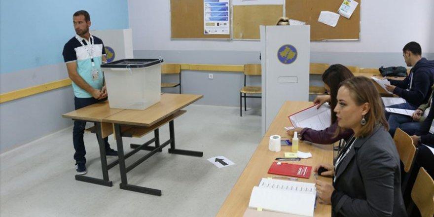 Kosova'da Onlarca Kişi Sırbistan'dan Gelen Oy Zarflarındaki Gazdan Etkilendi