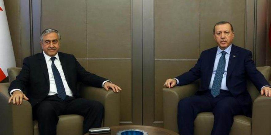 Erdoğan'dan Akıncı'ya: Bu Hadsizliktir!