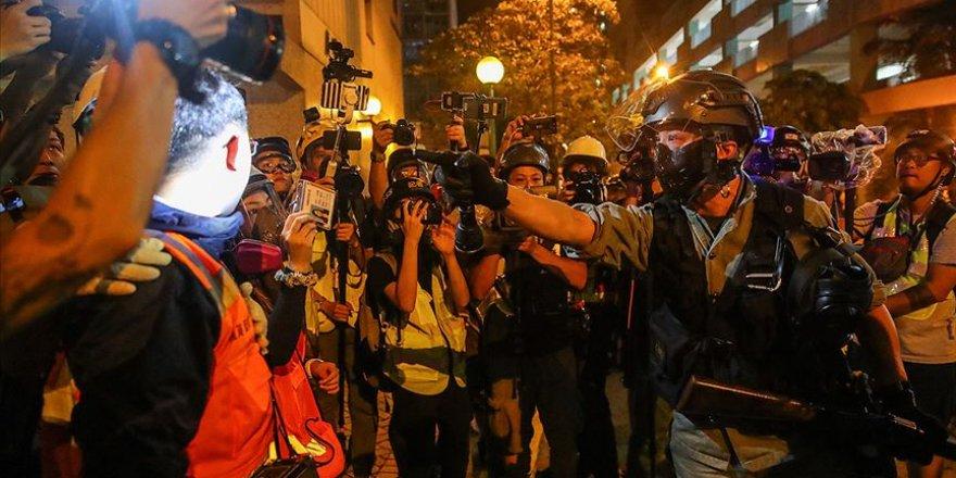 Hong Kong'daki Protestolarda Polise Karşı Patlayıcı Kullanıldı İddiası