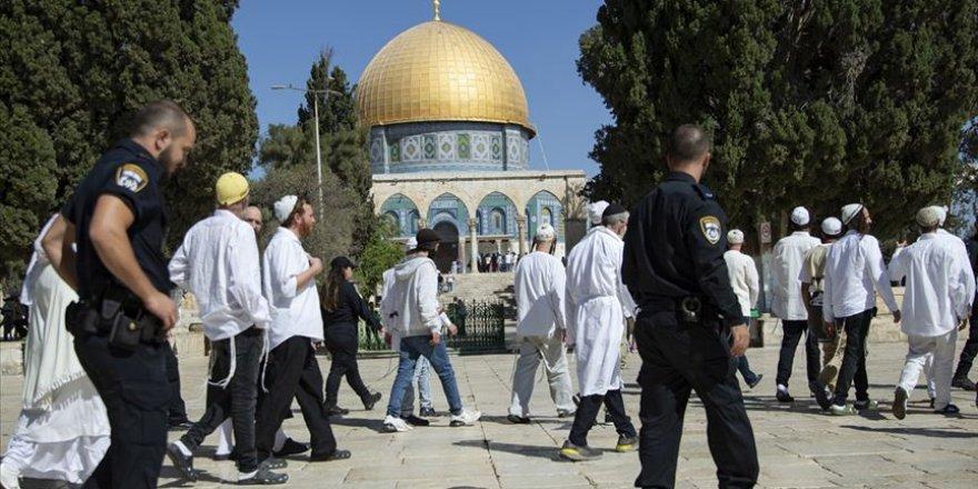 Siyonist Yahudilerin Mescid-i Aksa'ya Baskınları Sürüyor