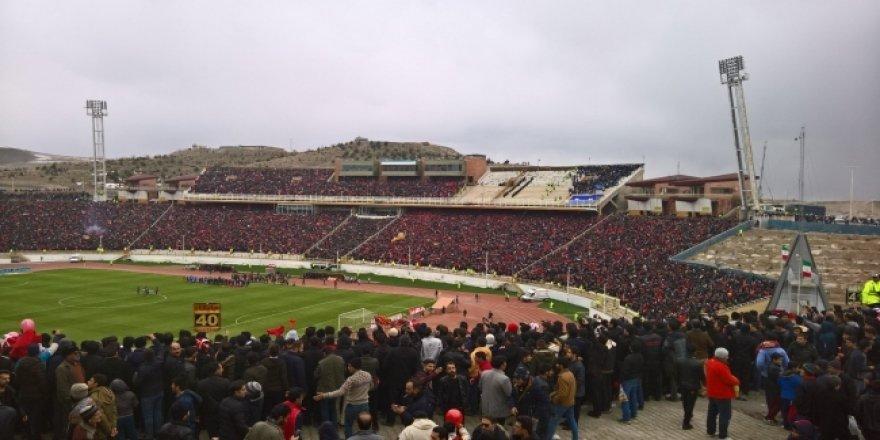 İran'da Barış Pınarı Harekatı'nı Destekleyen Futbolcuya Ceza